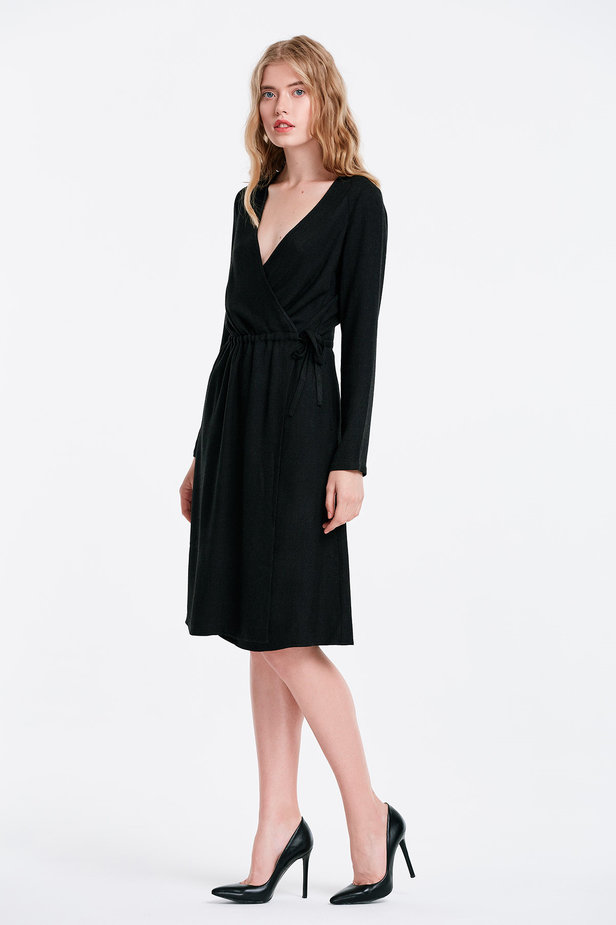 Wrap black dress photo 3 - MustHave online store