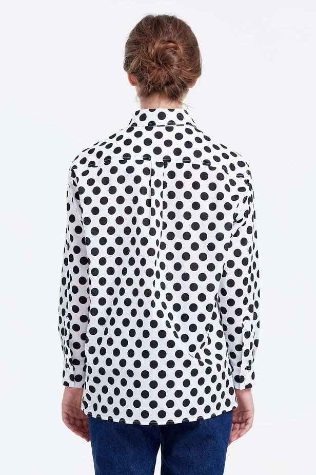 White shirt with a black polka dot print photo 4 - MustHave online store