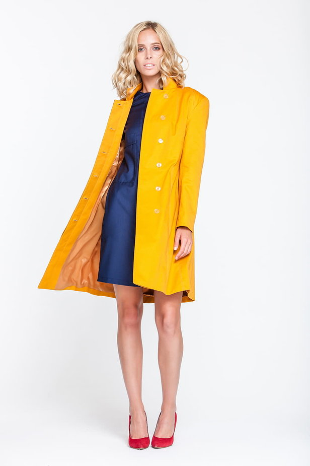 Mustard trenchcoat with a stand up collar photo 6 - MustHave online store