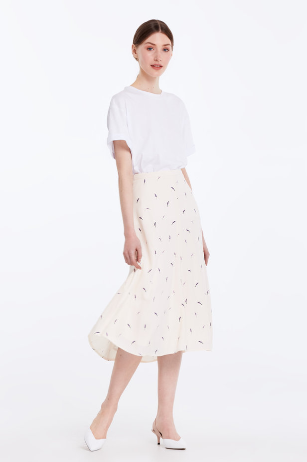 Midi peach-colored skirt with a lavender print photo 4 - MustHave online store