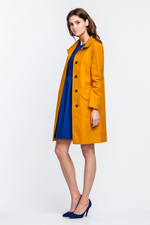 Mustard trenchcoat with a round collar and patch pockets photo 2 - MustHave online store