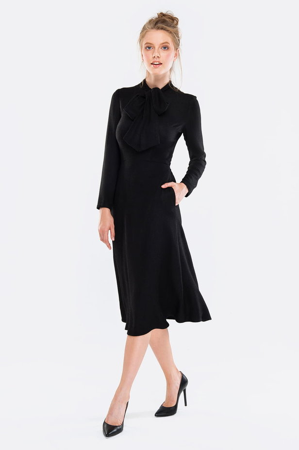 Midi black dress with a bow photo 4 - MustHave online store