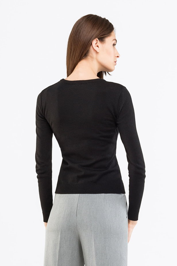 Black jumper photo 2 - MustHave online store