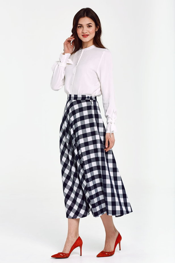 Blue and white checked flared skirt below the knee photo 2 - MustHave online store