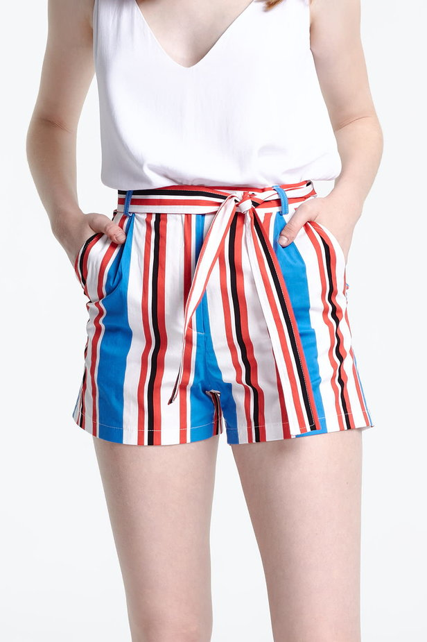 Shorts with blue and red stripes photo 1 - MustHave online store
