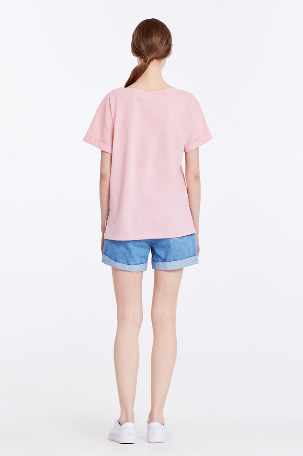 V-neck pink T-shirt with a pocket photo 5 - MustHave online store