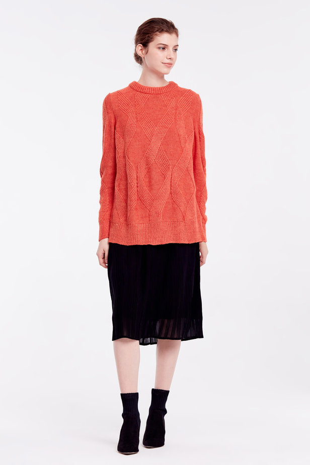 Orange free knit sweater photo 2 - MustHave online store