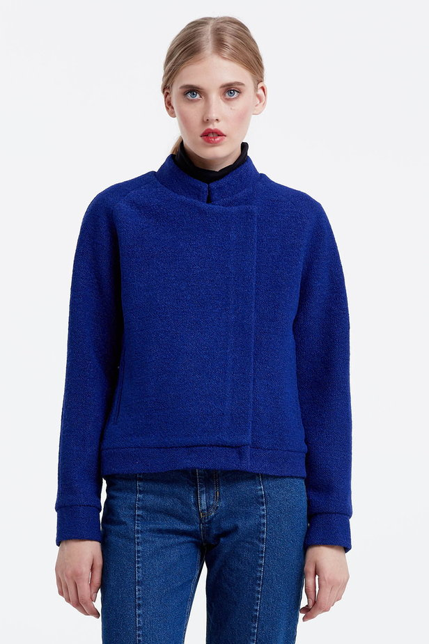 Blue jacket with an asymmetrical closing photo 3 - MustHave online store