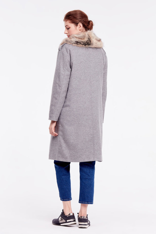 Grey coat with fur collar photo 5 - MustHave online store