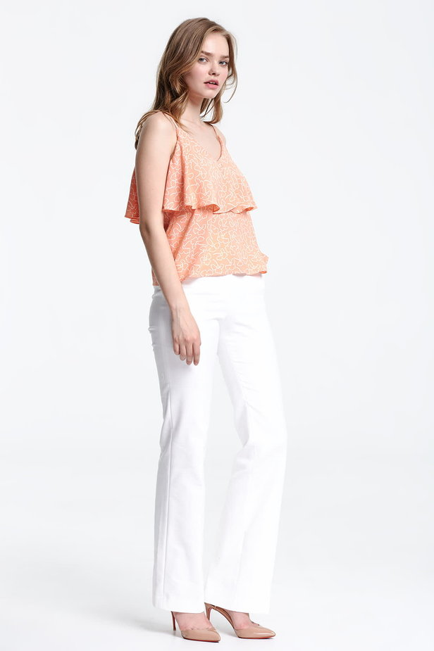Peach-colored top with a flounce and white flowers photo 5 - MustHave online store