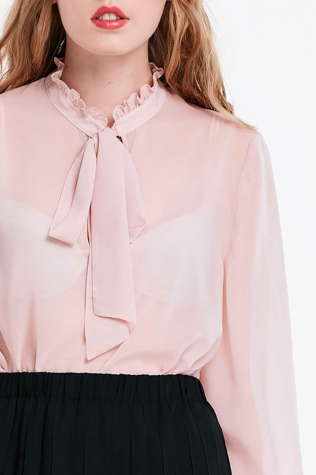 Powder pink blouse with a bow photo 3 - MustHave online store