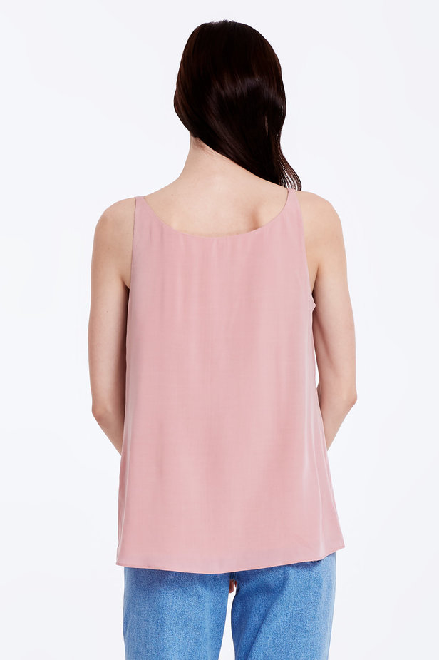 Powder pink top with a low neckline photo 4 - MustHave online store