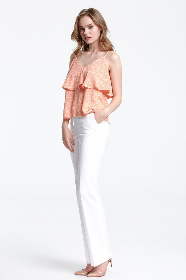 Peach-colored top with a flounce and white flowers photo 2 - MustHave online store