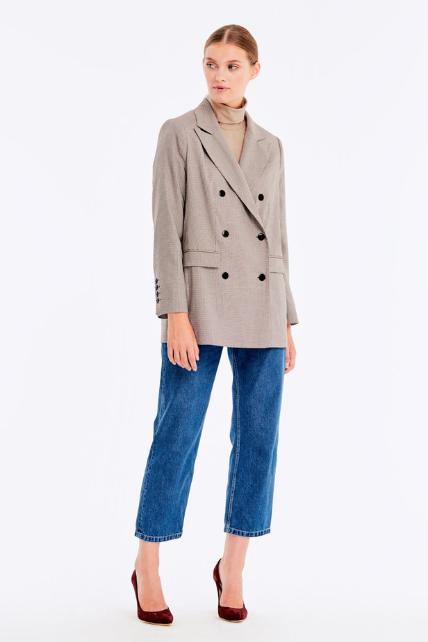 Double-breasted beige jacket with a houndstooth print and pockets photo 8 - MustHave online store