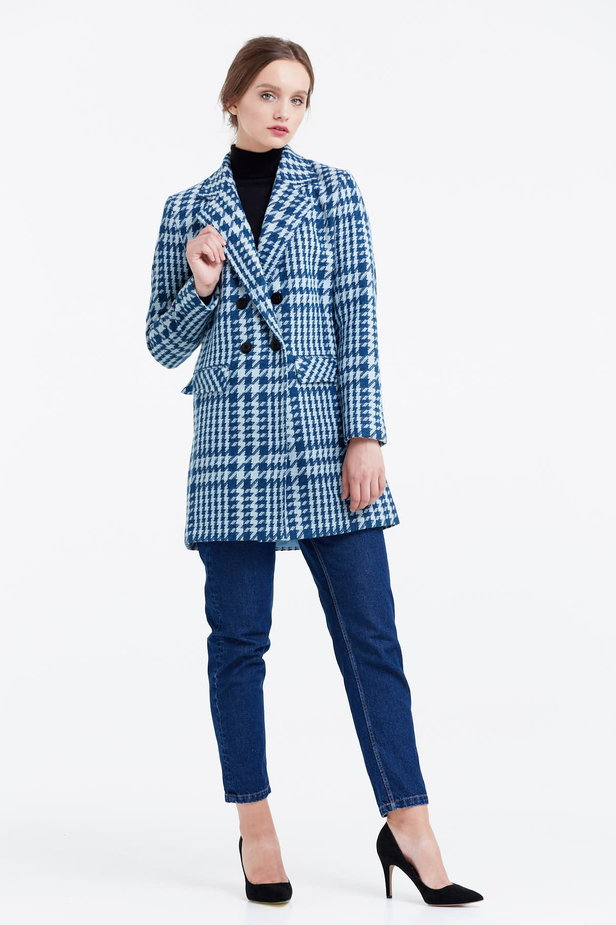 Long double-breasted jacket with a houndstooth print photo 5 - MustHave online store