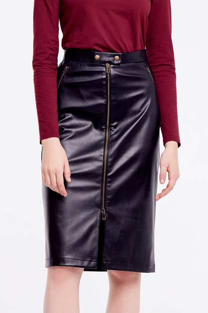 Black leather skirt with a zip