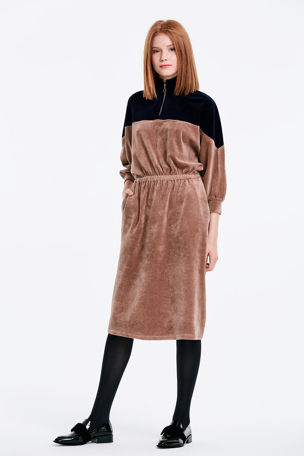 Bicoloured velour dress with a zip photo 3 - MustHave online store