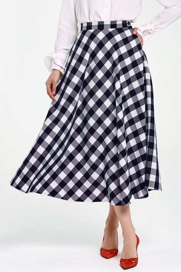 Blue and white checked flared skirt below the knee photo 1 - MustHave online store