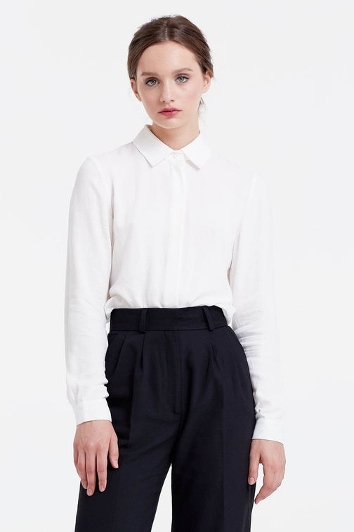 Milky blouse with a concealed placket