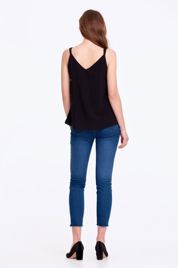 Black top with a scoop neckline photo 3 - MustHave online store