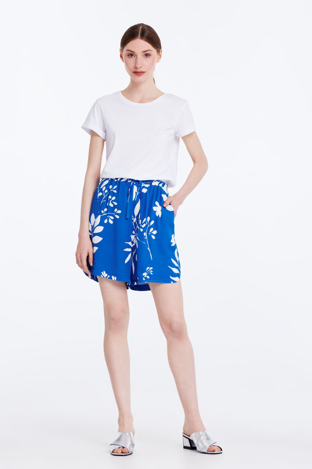 Blue shorts with white leaves photo 3 - MustHave online store