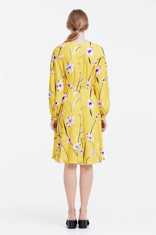 Yellow dress with a floral print and a concealed placket photo 3 - MustHave online store