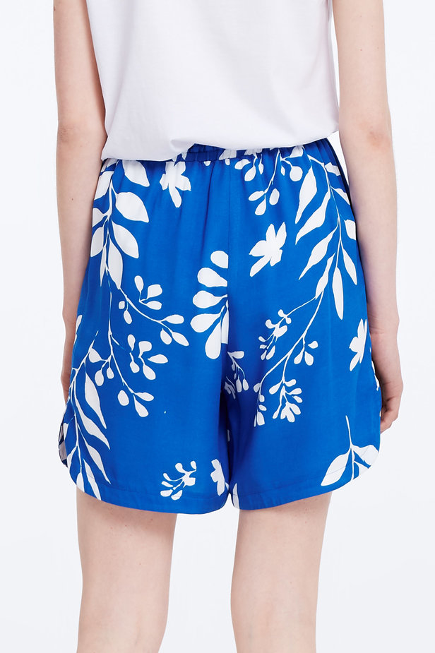 Blue shorts with white leaves photo 6 - MustHave online store