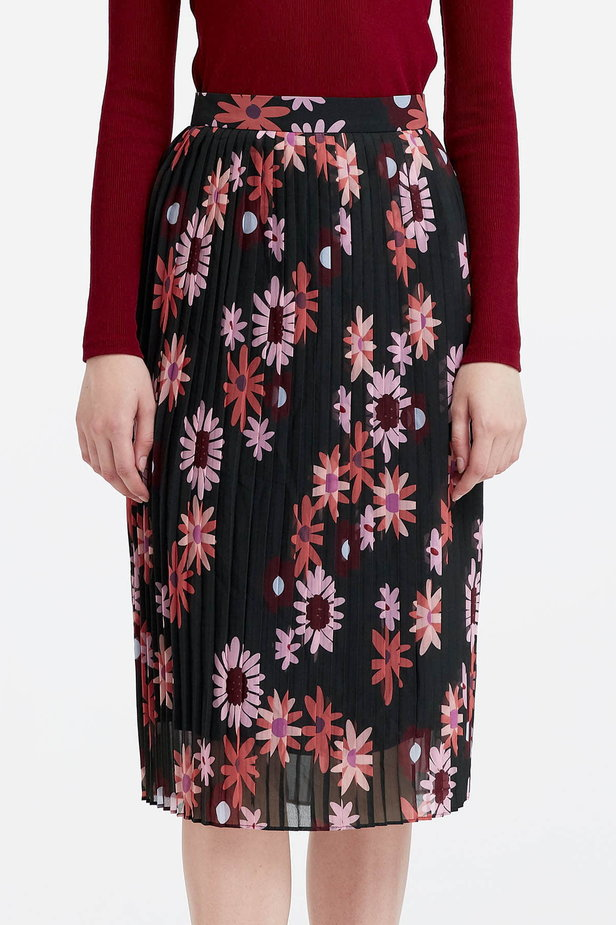 Below the knee pleated skirt with a floral print photo 1 - MustHave online store