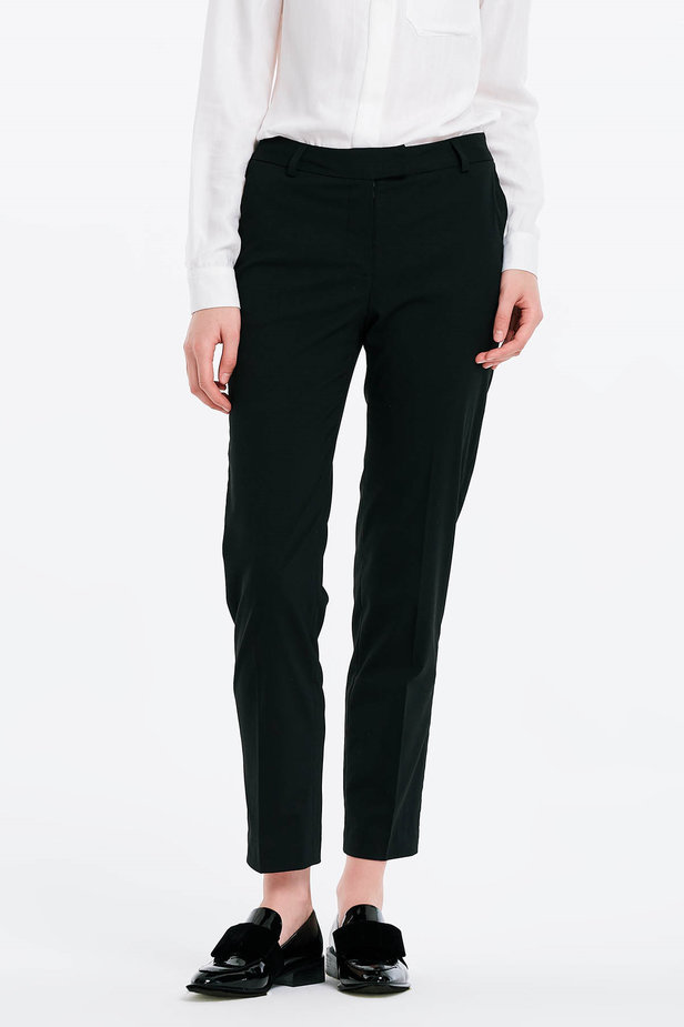 Short black trousers photo 1 - MustHave online store