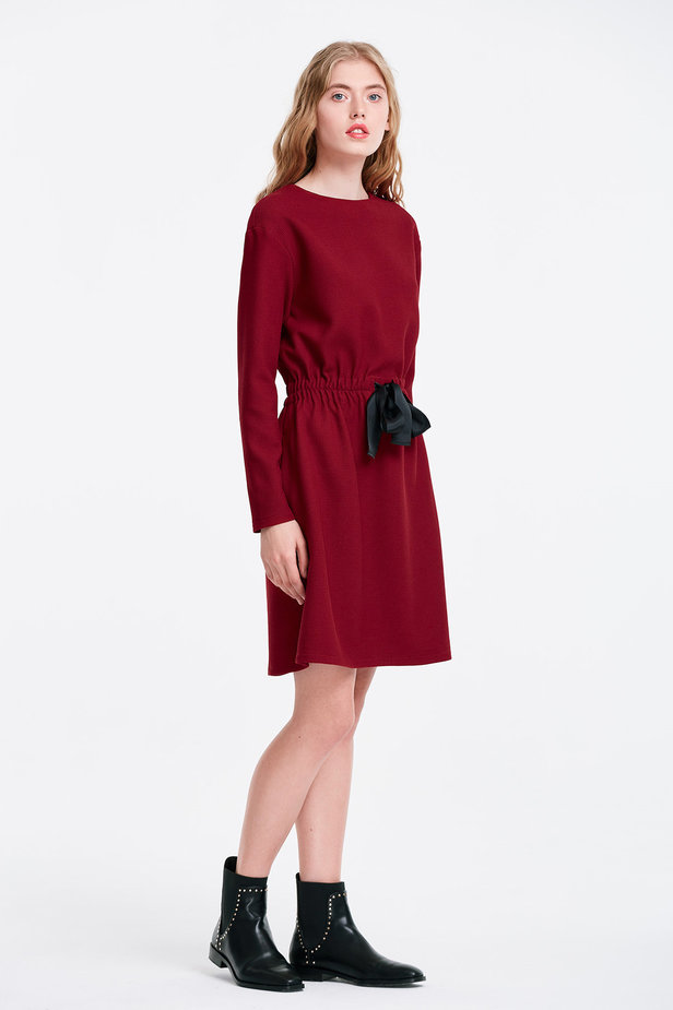 Wine dress with a black bow photo 5 - MustHave online store