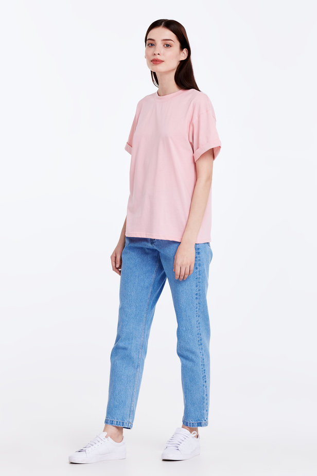 Loose-fitting pink T-shirt with cuffs photo 3 - MustHave online store