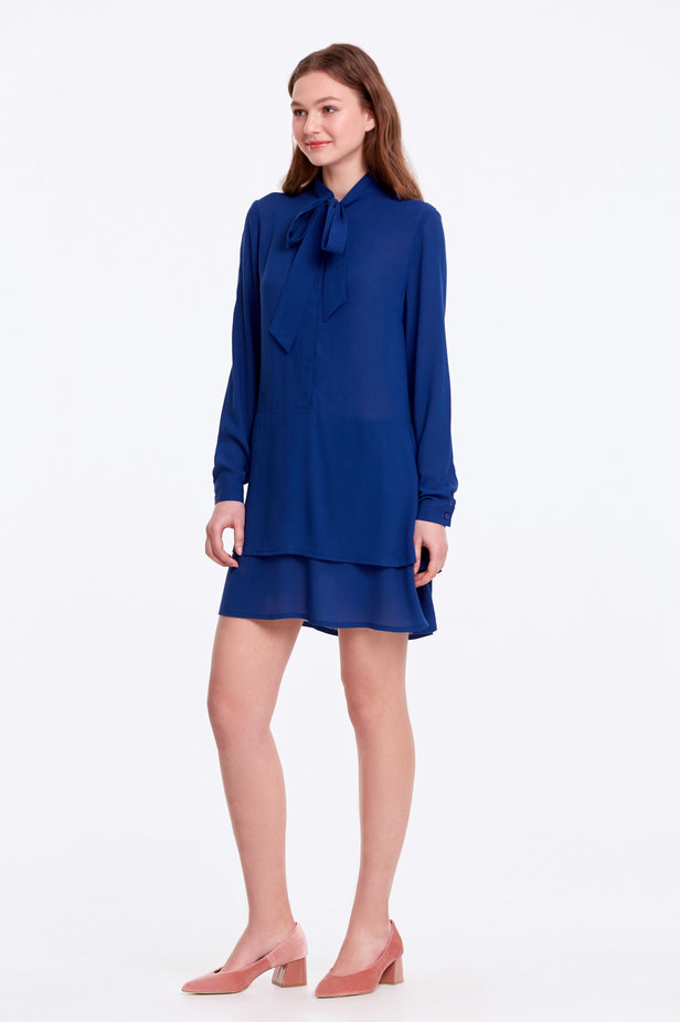 Blue dress with a bow photo 6 - MustHave online store