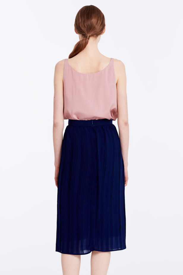 Below the knee pleated dark blue skirt photo 5 - MustHave online store