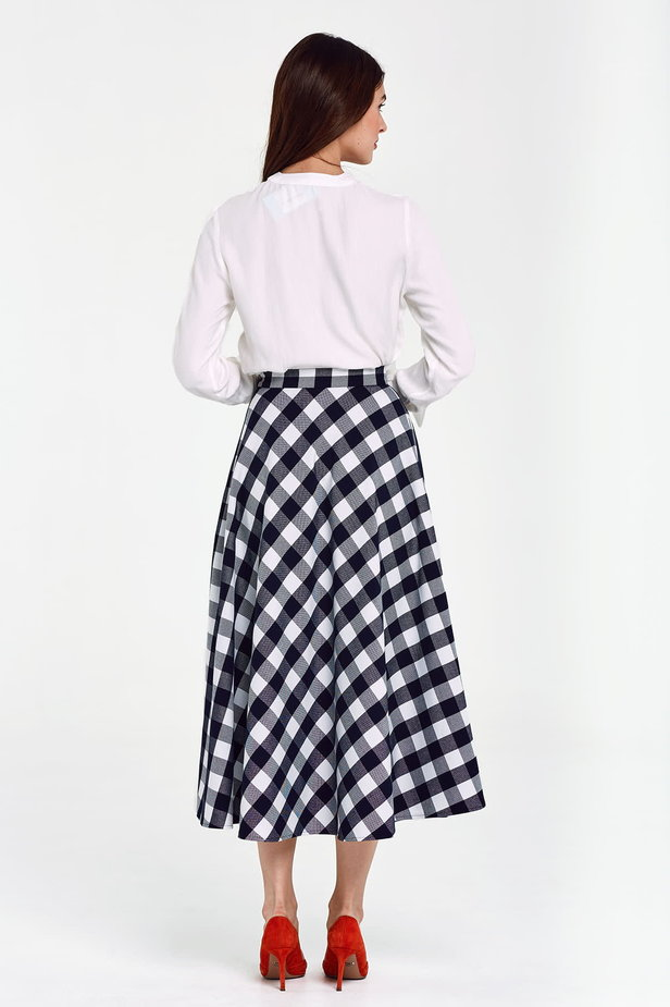 Blue and white checked flared skirt below the knee photo 3 - MustHave online store