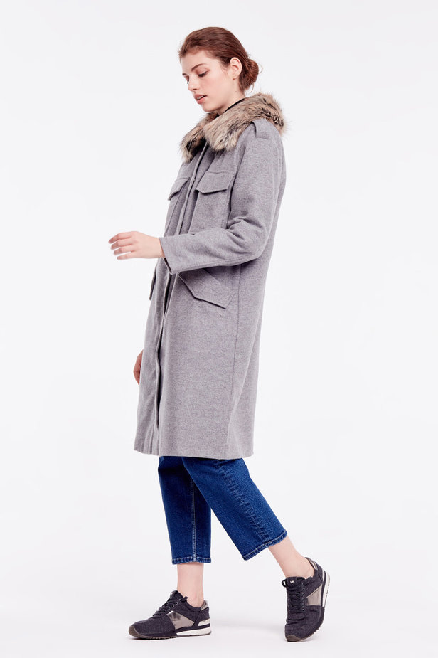 Grey coat with fur collar photo 3 - MustHave online store