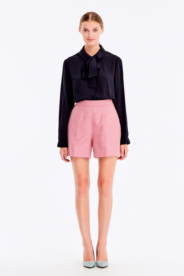 Pink shorts with herringbone print photo 2 - MustHave online store