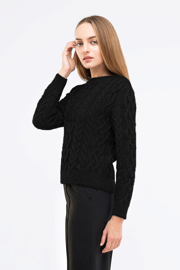Short braided black pullover photo 1 - MustHave online store