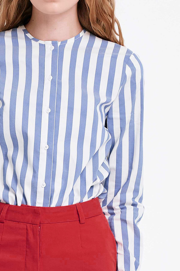 White shirt with blue stripes and flounced sleeves photo 2 - MustHave online store