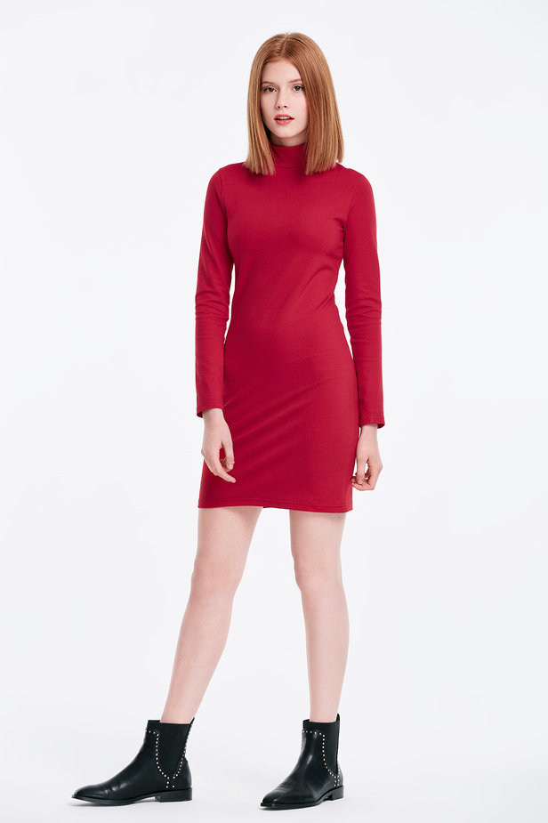 Column red dress with a stand up collar photo 4 - MustHave online store