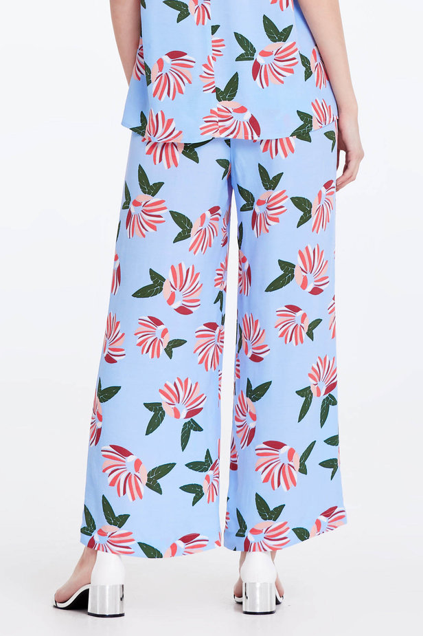 Wide leg blue trousers with a floral print photo 5 - MustHave online store