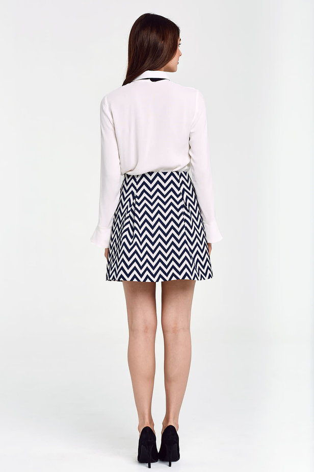 Skirt with white and blue zigzag and buttons photo 6 - MustHave online store