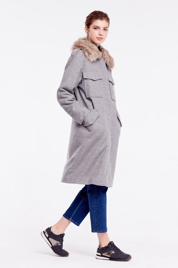 Grey coat with fur collar photo 6 - MustHave online store