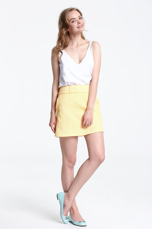 Mini skirt with a yellow pattern photo 5 - MustHave online store