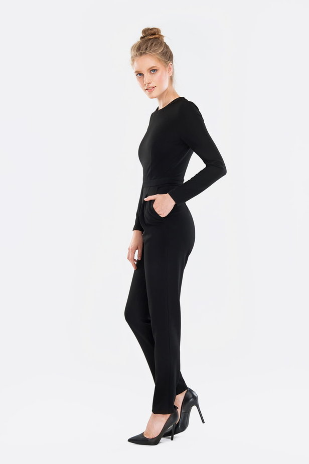 Black jumpsuit photo 2 - MustHave online store