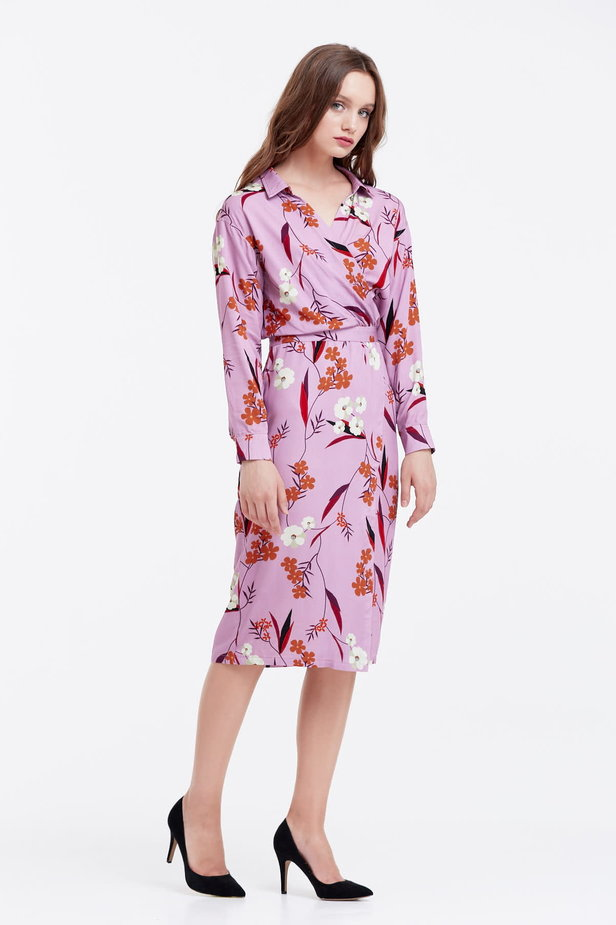 Wrap lilac dress with a floral print photo 5 - MustHave online store