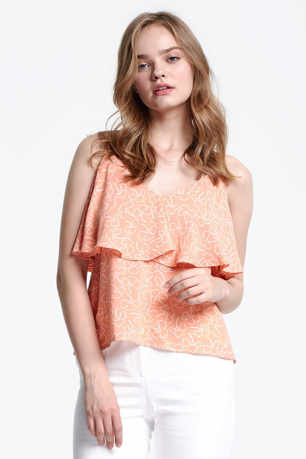 Peach-colored top with a flounce and white flowers photo 1 - MustHave online store