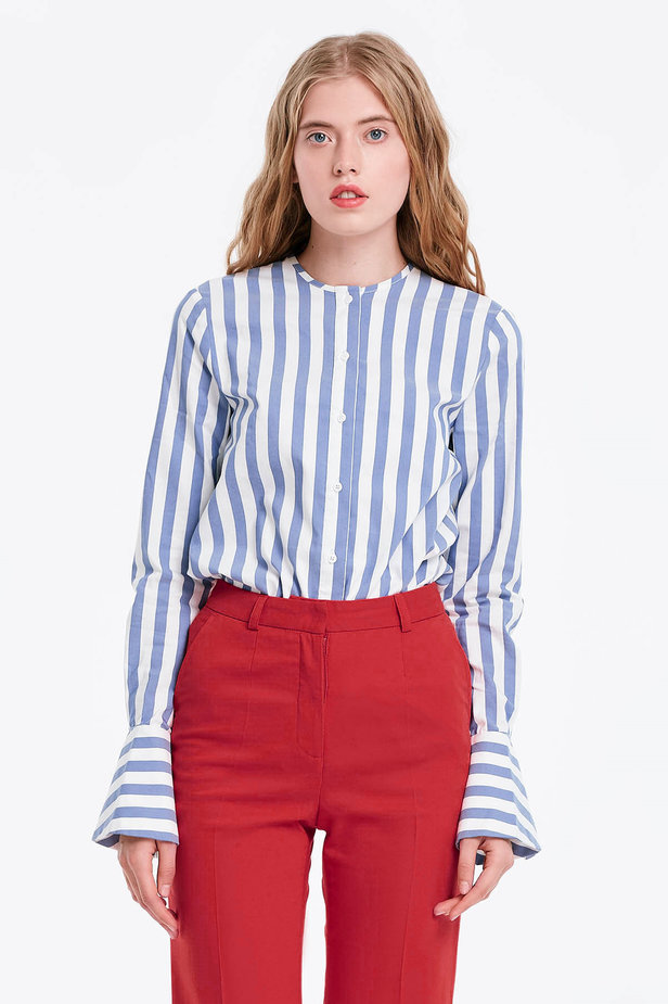 White shirt with blue stripes and flounced sleeves photo 1 - MustHave online store