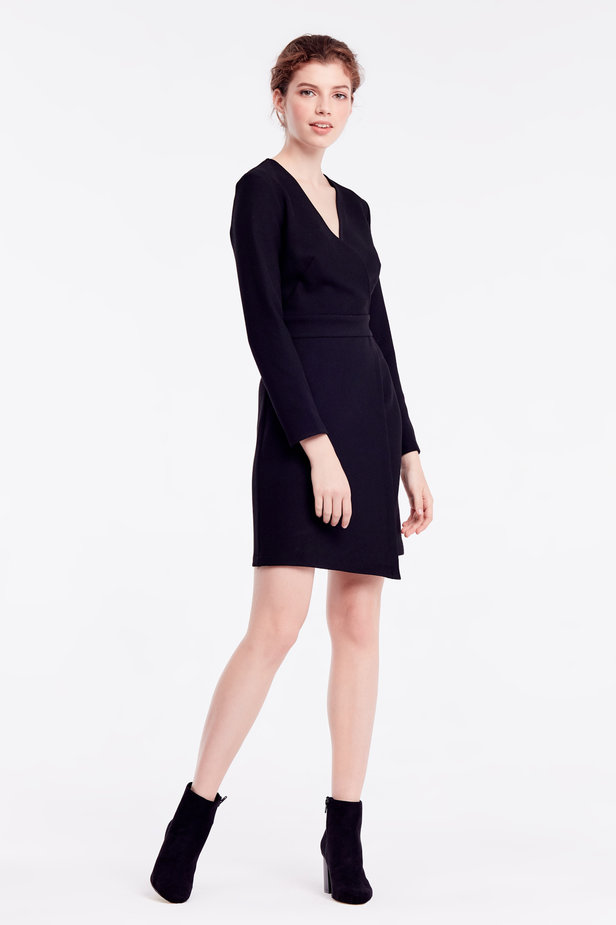Above-knee wrap black dress photo 6 - MustHave online store