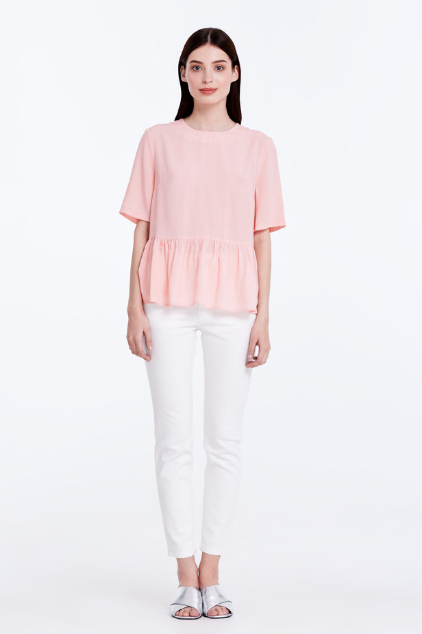 Powder pink top with a flounce photo 2 - MustHave online store