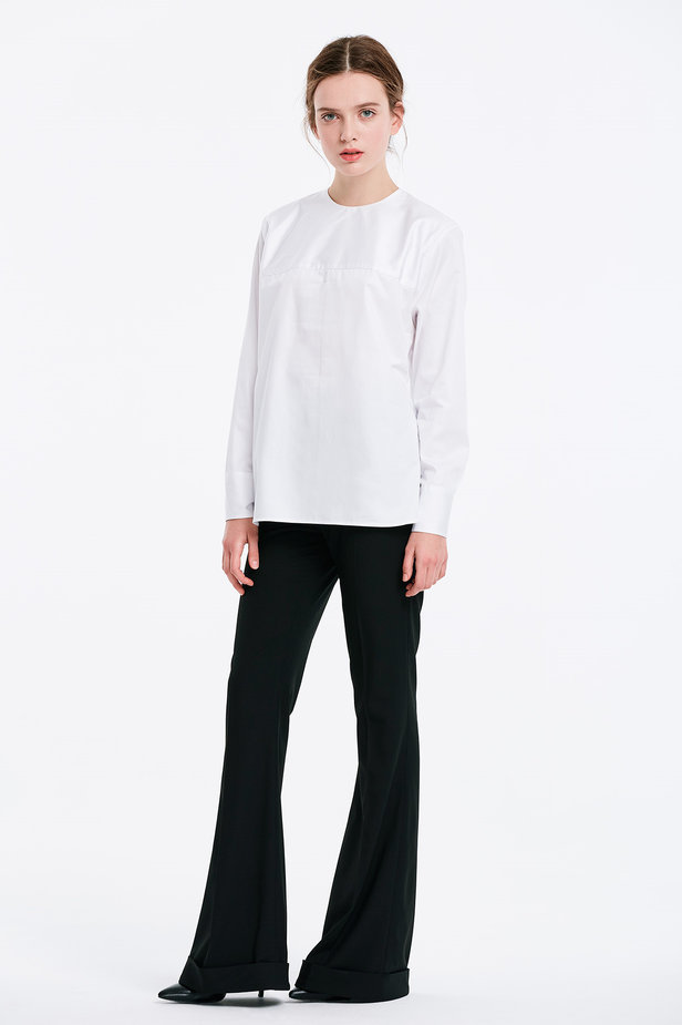 Asymmetrical white shirt photo 5 - MustHave online store